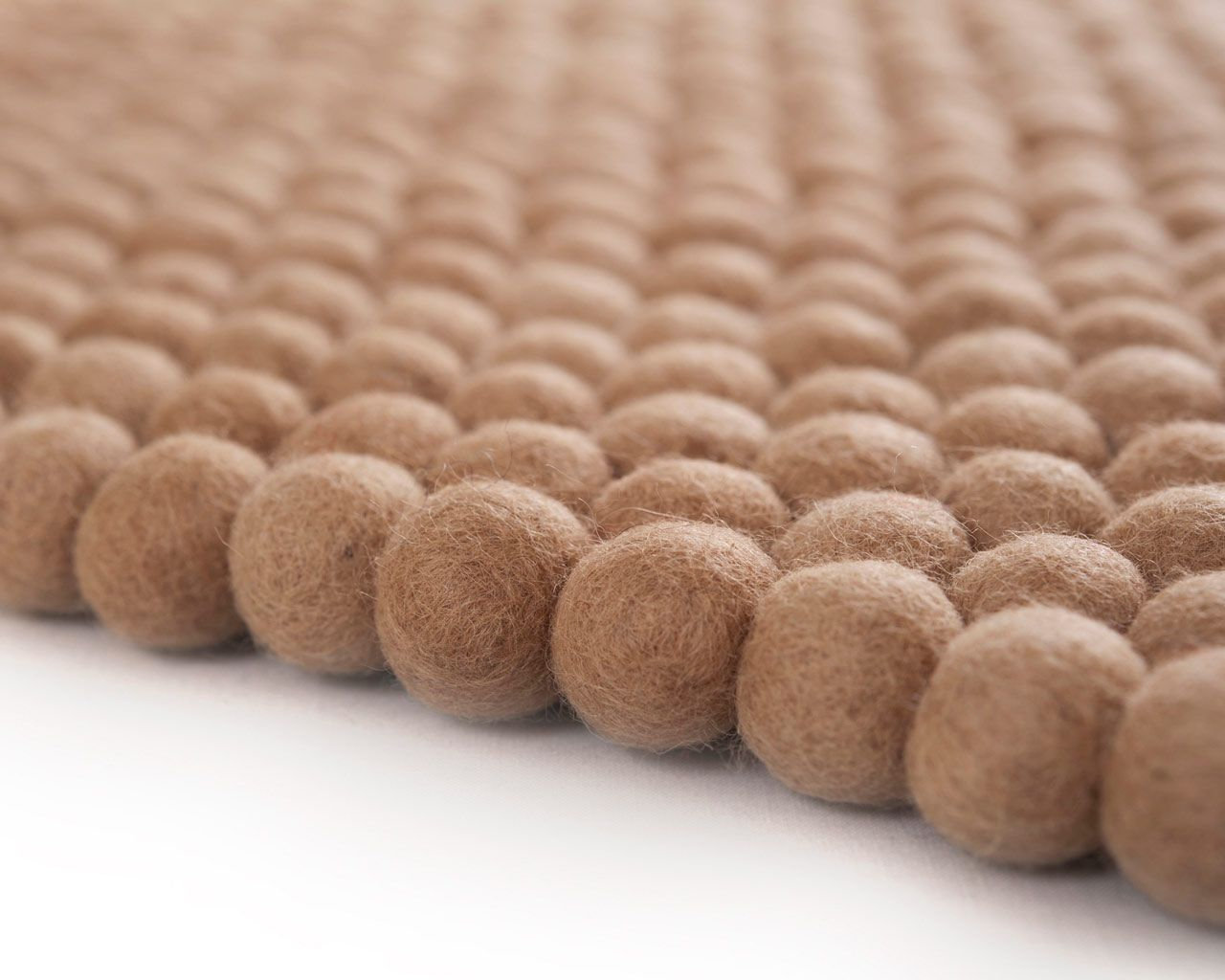 balls woolen carpets wholesale